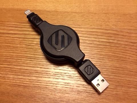 巻き取り式LightningケーブルはApple認証 (Made for iPhone取得)が安心・安全!持ち運びにも最適、オススメです!