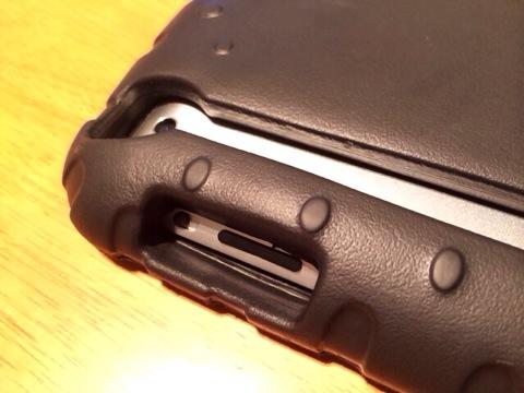 iPadケース:音量ボタン・カメラ